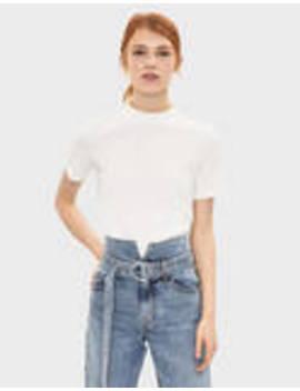Μπλουζάκι με ψηλή λαιμόκοψη by Bershka