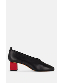 Mildred Classic Leather Pumps by Gray Matters