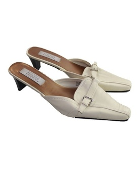 Allyson Whitmore White Sandals. Size 10 M by Allyson Whitmore