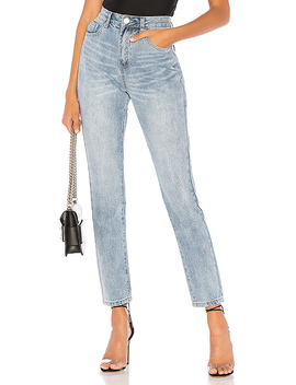 Laura Boyfriend Denim Jeans In Mid Blue Wash by By The Way.