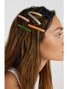 Neutral Hair Clip Set by Urban Outfitters