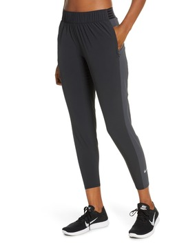 Essential 7/8 Running Pants by Nike