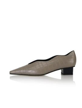 Cassie 2 Flat Shoes / Navy Croc+Beige Croc by Yuul Yie