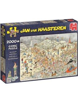 Jan Van Haasteren De Nieuwjaarsduik   Puzzel 2000 Stukjes by Jan Van Haasteren