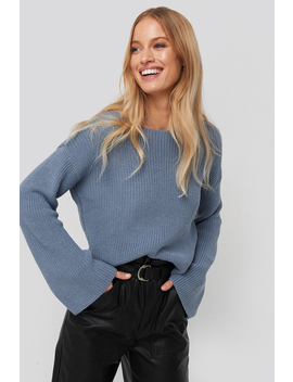 Cropped Long Sleeve Knitted Sweater Blau by Na Kd