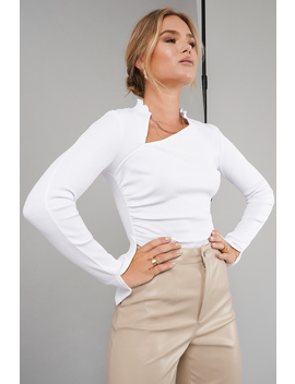 Draped Ribbed Top White by Hannaschonbergxnakd