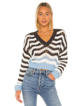 Shira Cropped Sweater by Superdown