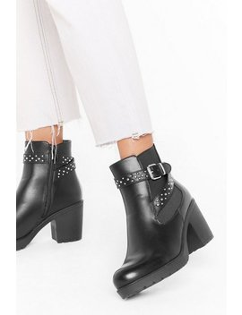 Put On A Stud Show Faux Leather Chelsea Boots by Nasty Gal