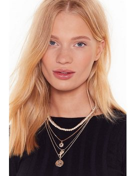 Layer Your Cards On The Table Pendant Necklace by Nasty Gal