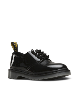 Smiths Stud by Dr. Martens