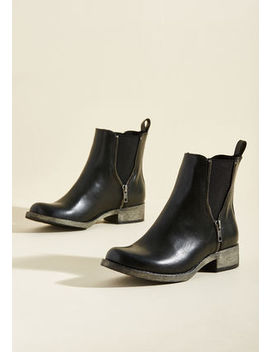Casual Influence Boot In Black In 8 Casual Influence Boot In Black In 8 by Rocket Dog