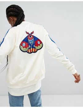 Adidas Originals – Embellished Arts – Bomberjacke Mit Schmetterlingsstickerei by Adidas
