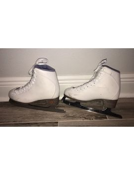 Riedell  Figure Ice Skates   Size 5   by Riedell