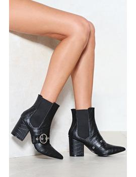 Sit Down And Buckle Up Chelsea Boot by Nasty Gal