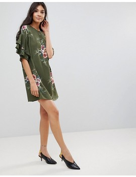 Parisian Floral Shift Dress With Flare Sleeve by Parisian