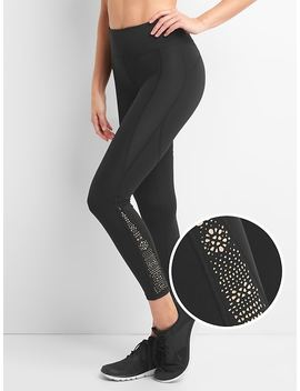 Gap Fit Sculpt 7/8 Capris With Lasercut by Gap