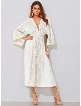 Plunging Kimono Sleeve Tassel Tie Dress by Sheinside