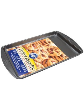 Wilton 2105 6795 Perfect Results Large Cookie Pan by Wilton