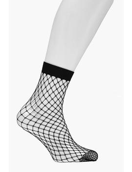 Megan Diamond Fishnet Ankle Socks by Boohoo