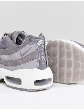 Серые бархатные кроссовки Nike Air Max 95 by Asos