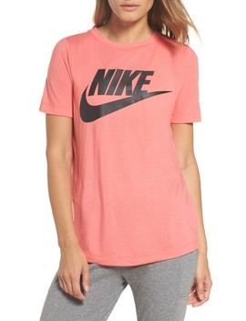 Sportswear Essential Tee by Nike