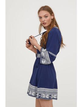 Kleid Mit Bindekordeln by H&M