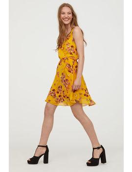Kurzes Kleid Mit Volant by H&M