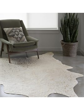 Clayton Ivory/ Champagne Faux Cowhide Rug (6'2 X 8') by Alexander Home