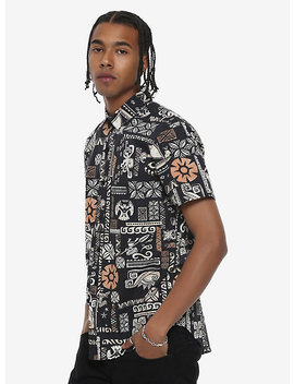 Our Universe Disney Moana Maui Short Sleeve Woven Button Up by Hot Topic