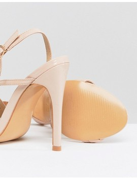 Truffle Collection – Asymmetrische Sandalen by Asos Brand