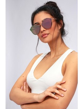 Stun In The Sun Rose Gold And Pink Mirrored Sunglasses by Lulus