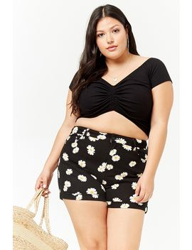 Plus Size Daisy Print Denim Shorts by Forever 21