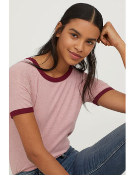 Geripptes T Shirt by H&M