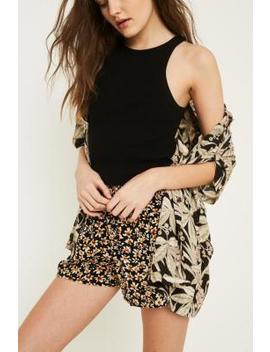 Urban Outfitters – Crinkle Shorts Mit Gesmokter Taille by Urban Outfitters