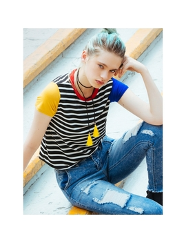Retro Colorblock Stripe Tee In Black by Wet Seal