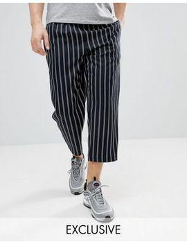 Reclaimed Vintage Inspired   Pantalon Décontracté Court à Rayures by Reclaimed Vintage Inspired