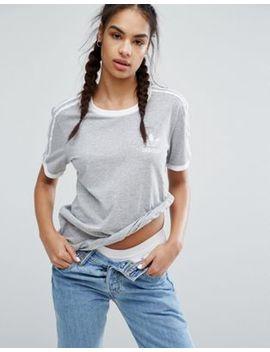 Camiseta Gris Con Tres Rayas De Adidas Originals by Asos
