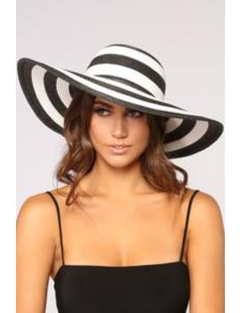 Blocked Schedule Sun Hat   Black/White by Fashion Nova