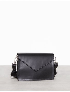 Pcdanica Cross Body by Pieces