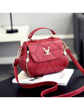 2017 Fashion Woman Geometry Small V Style Saddle Luxury Handbags Crossbody For Women Famous Brands Messenger Bags Designer Louis by Luyo