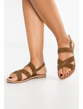 Holder   Sandalen by New Look
