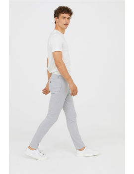 Kostymbyxa Super Skinny Fit by H&M