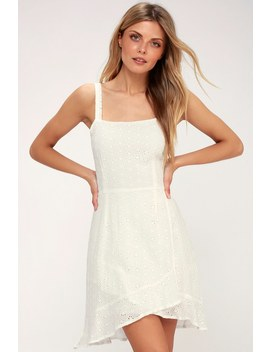 Lovene White Eyelet Embroidered Dress by First Monday